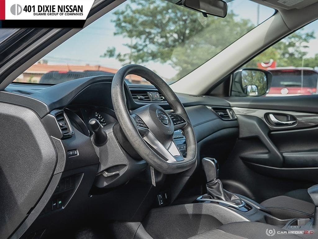 2017 Nissan Rogue S FWD CVT in Mississauga, Ontario - 13 - w1024h768px