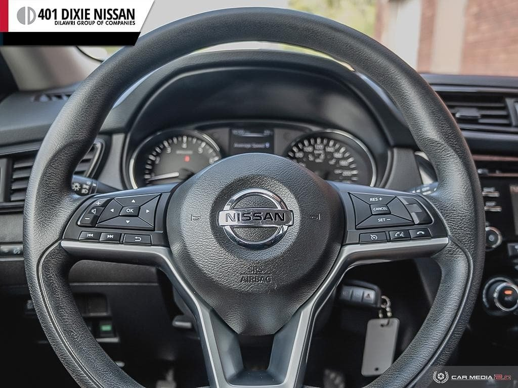 2017 Nissan Rogue S FWD CVT in Mississauga, Ontario - 14 - w1024h768px