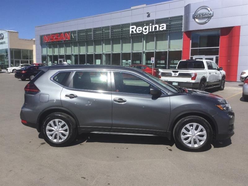 2018 Nissan Rogue S FWD CVT in Regina, Saskatchewan - 3 - w1024h768px