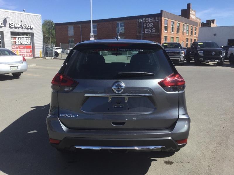 2018 Nissan Rogue S FWD CVT in Regina, Saskatchewan - 4 - w1024h768px