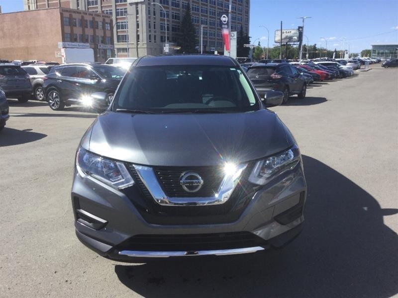 2018 Nissan Rogue S FWD CVT in Regina, Saskatchewan - 2 - w1024h768px