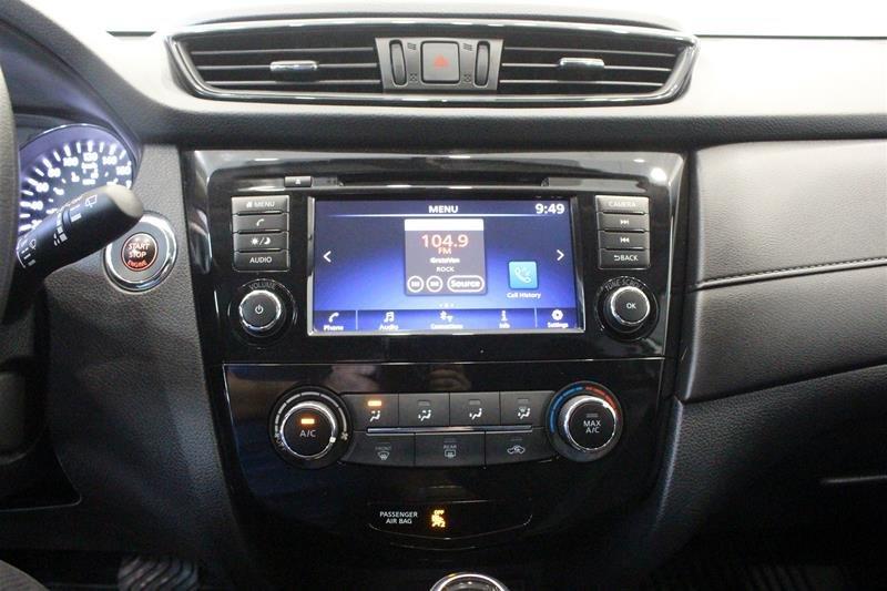 2018 Nissan Rogue SV AWD CVT in Regina, Saskatchewan - 7 - w1024h768px