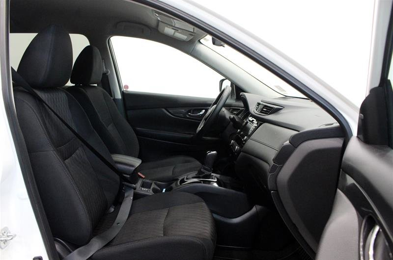 2018 Nissan Rogue SV AWD CVT in Regina, Saskatchewan - 14 - w1024h768px