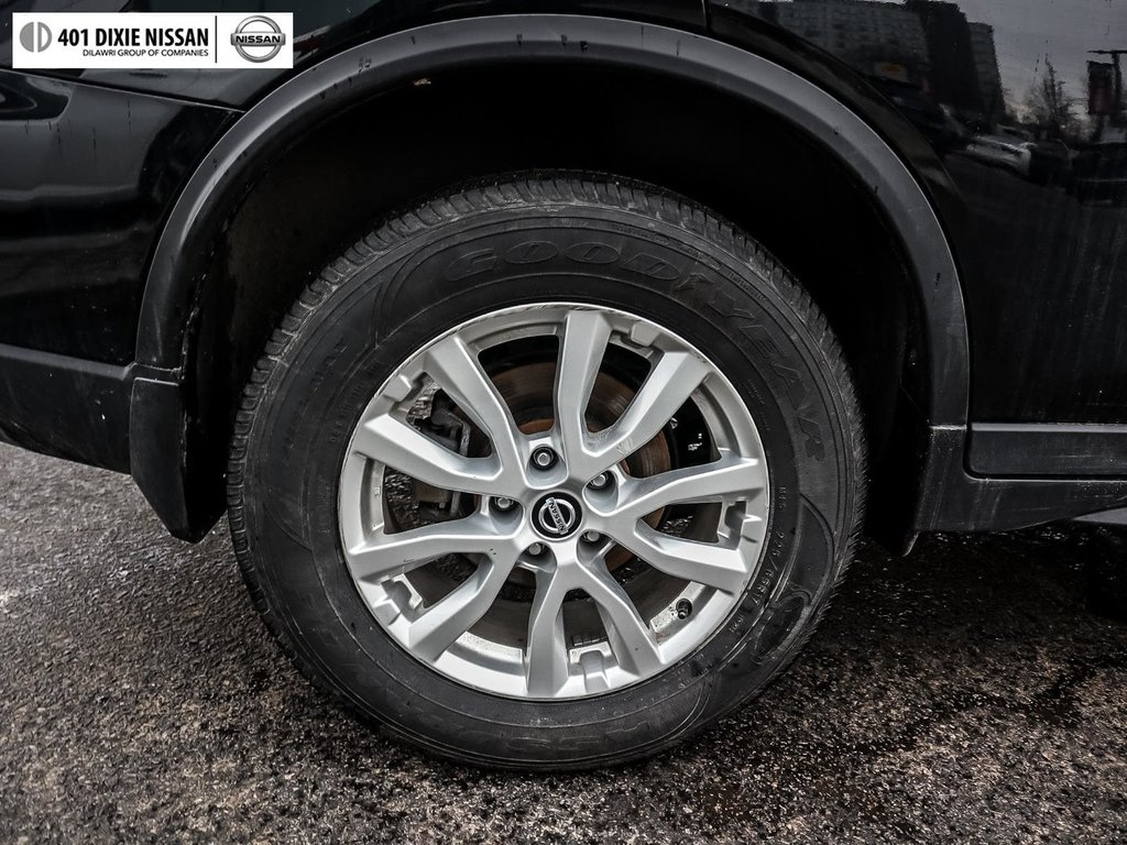 2018 Nissan Rogue SV AWD CVT in Mississauga, Ontario - 18 - w1024h768px