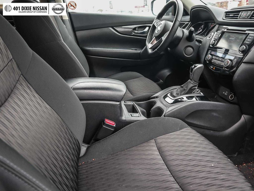 2018 Nissan Rogue SV AWD CVT in Mississauga, Ontario - 15 - w1024h768px