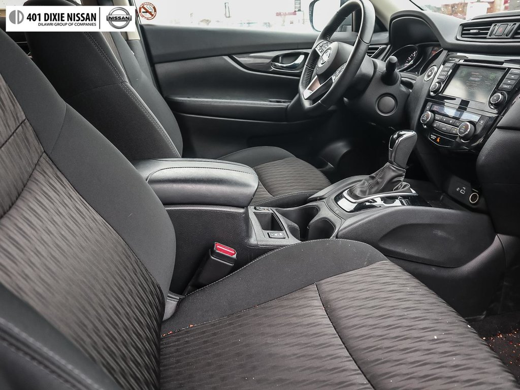 2018 Nissan Rogue SV AWD CVT in Mississauga, Ontario - 42 - w1024h768px