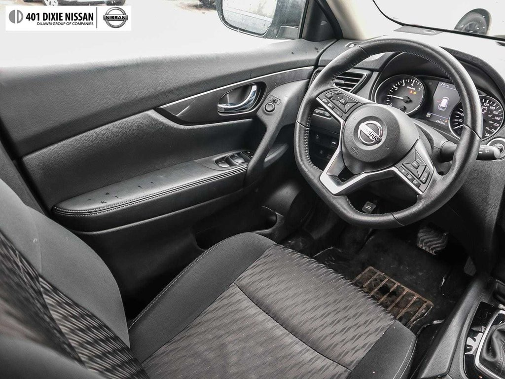 2018 Nissan Rogue SV AWD CVT in Mississauga, Ontario - 13 - w1024h768px