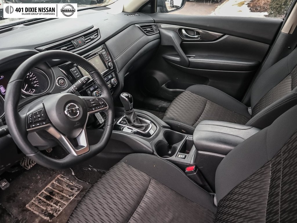 2018 Nissan Rogue SV AWD CVT in Mississauga, Ontario - 10 - w1024h768px