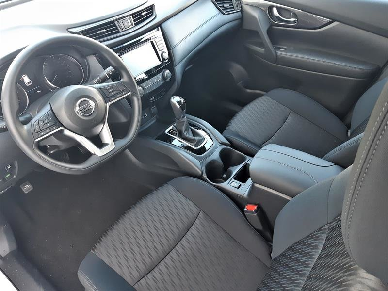 2018 Nissan Rogue S FWD CVT in Vancouver, British Columbia - 12 - w1024h768px