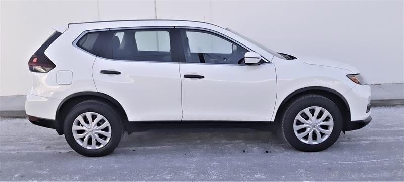 2018 Nissan Rogue S FWD CVT in Vancouver, British Columbia - 11 - w1024h768px