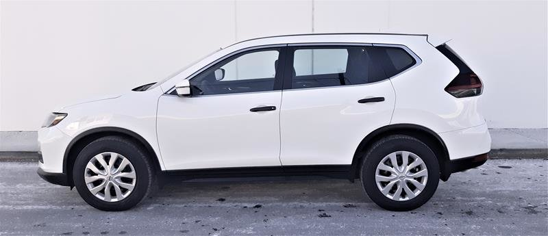 2018 Nissan Rogue S FWD CVT in Vancouver, British Columbia - 10 - w1024h768px