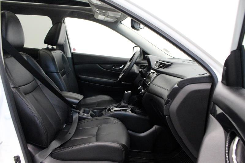 2019 Nissan Rogue SL AWD CVT in Regina, Saskatchewan - 15 - w1024h768px