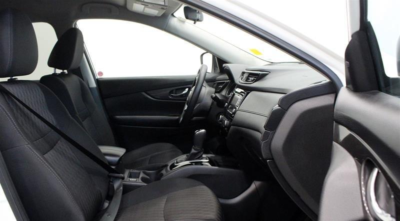 2019 Nissan Rogue SV AWD CVT in Regina, Saskatchewan - 14 - w1024h768px