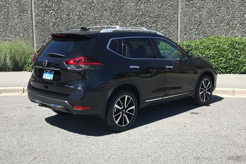 2019 Nissan Rogue SL AWD CVT in North Vancouver, British Columbia - 14 - w1024h768px