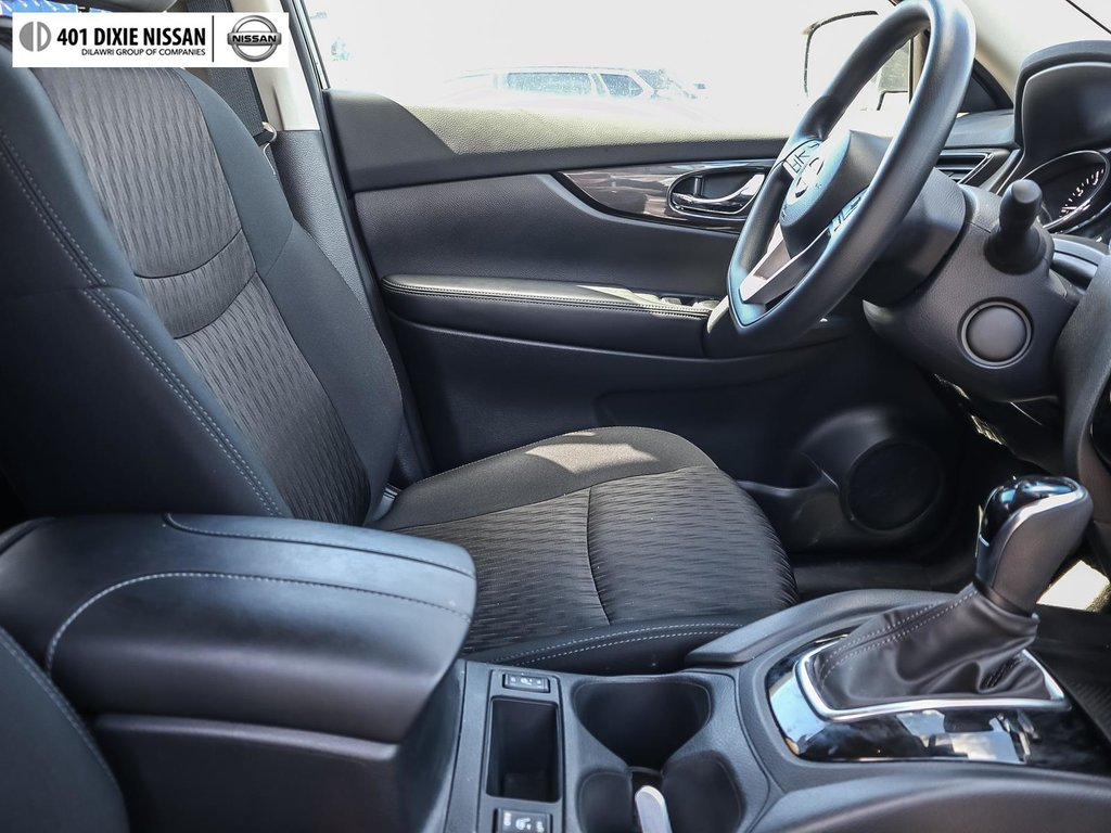2019 Nissan Rogue SV AWD CVT in Mississauga, Ontario - 38 - w1024h768px
