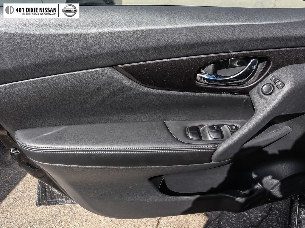2019 Nissan Rogue SV AWD CVT in Mississauga, Ontario - 31 - w1024h768px