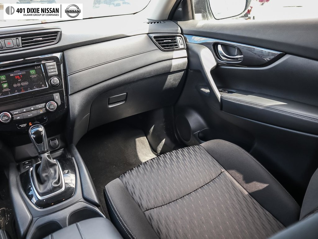 2019 Nissan Rogue SV AWD CVT in Mississauga, Ontario - 15 - w1024h768px