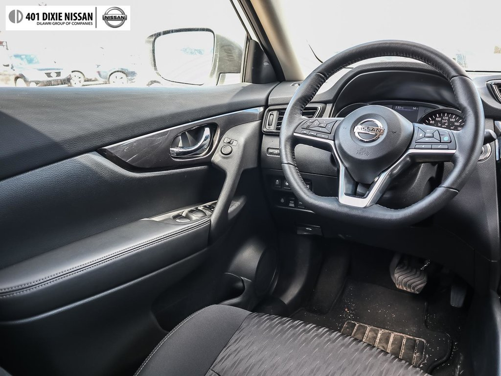 2019 Nissan Rogue SV AWD CVT in Mississauga, Ontario - 13 - w1024h768px