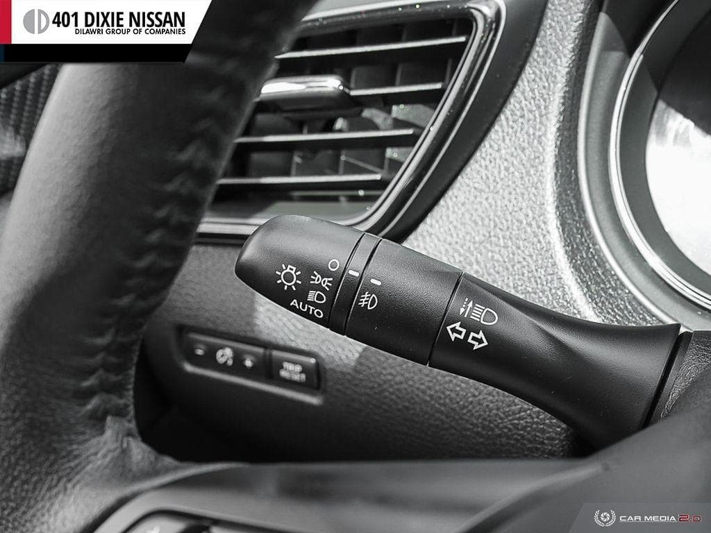 2019 Nissan Rogue SL AWD CVT in Mississauga, Ontario - 16 - w1024h768px