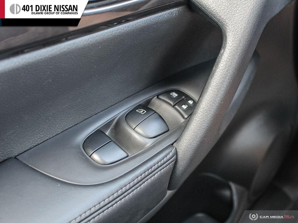 2019 Nissan Rogue SV AWD CVT in Mississauga, Ontario - 17 - w1024h768px