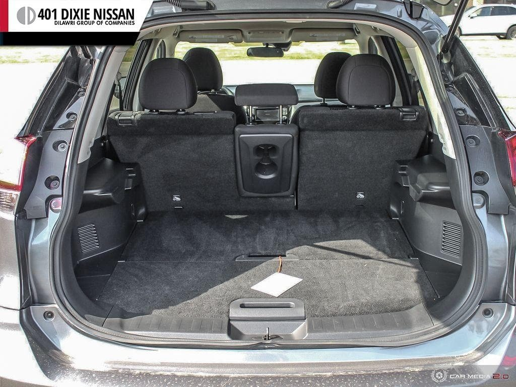 2019 Nissan Rogue SV AWD CVT in Mississauga, Ontario - 11 - w1024h768px