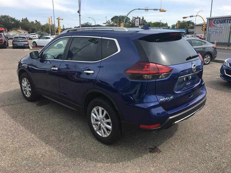 2019 Nissan Rogue SV AWD CVT in Regina, Saskatchewan - 4 - w1024h768px