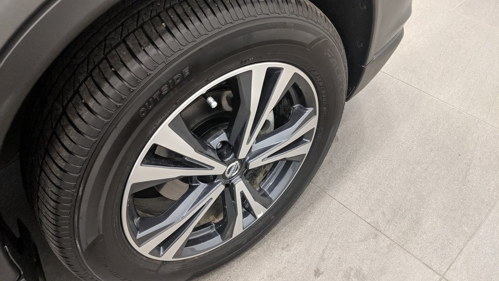 2019 Nissan Rogue SV AWD CVT in Regina, Saskatchewan - 17 - w1024h768px