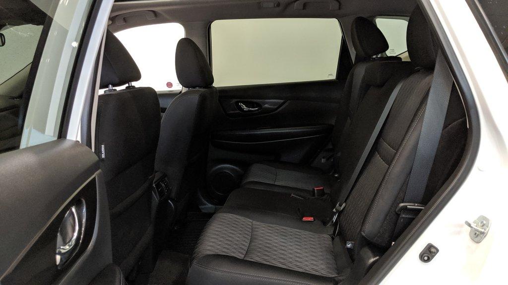 2019 Nissan Rogue SV AWD CVT in Regina, Saskatchewan - 13 - w1024h768px