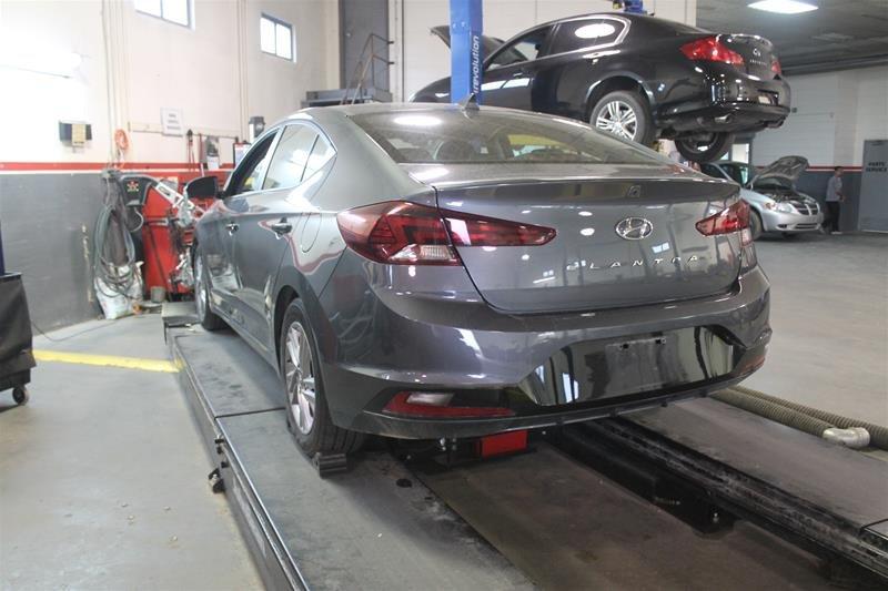 2015 Nissan Sentra 1.8 SR CVT in Regina, Saskatchewan - 2 - w1024h768px