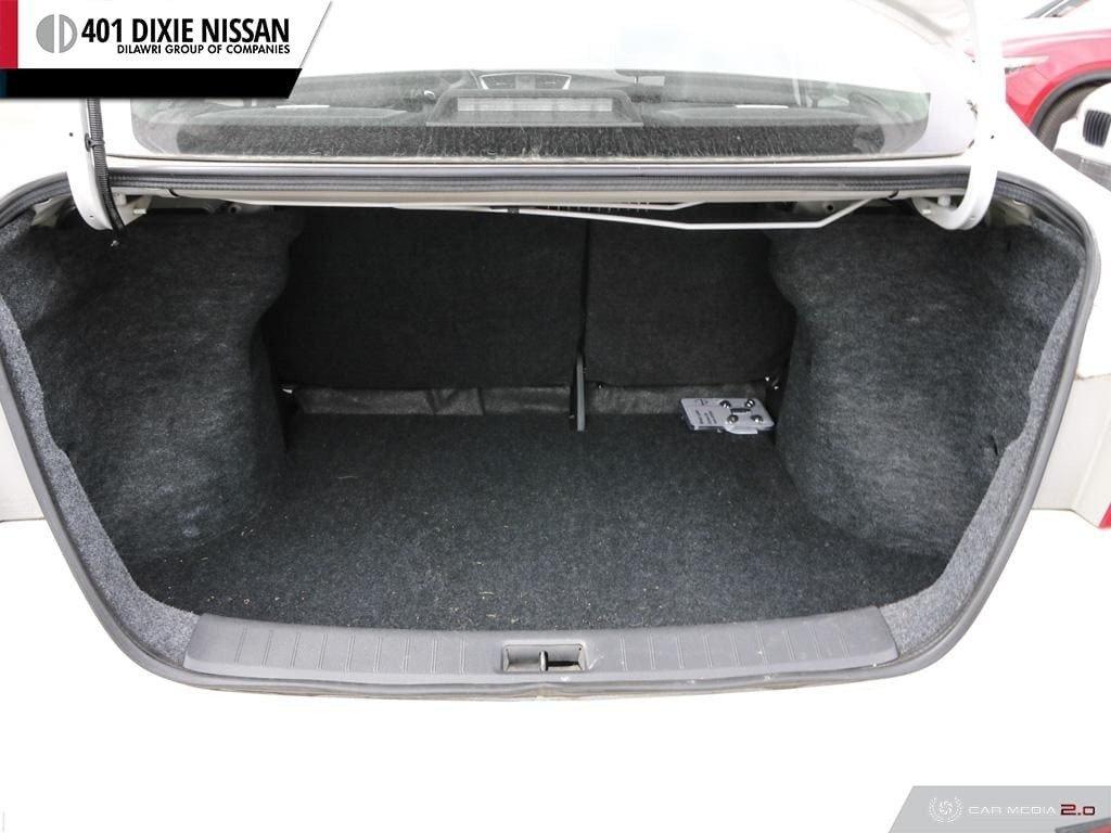 2016 Nissan Sentra 1.8 SL CVT in Mississauga, Ontario - 11 - w1024h768px