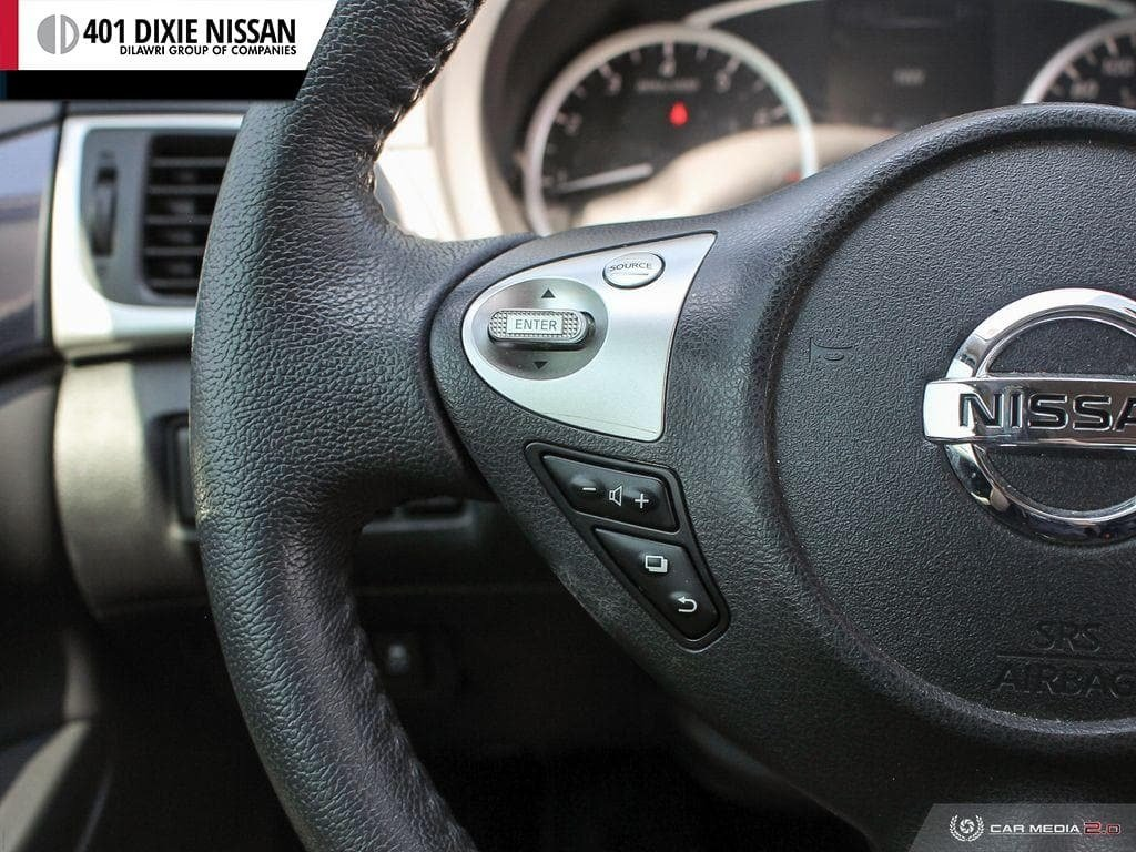 2017 Nissan Sentra 1.6 SR Turbo MCVT in Mississauga, Ontario - 17 - w1024h768px