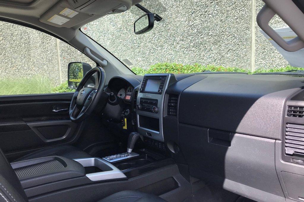 2015 Nissan Titan Crew Cab PRO-4X 4X4 SWB in North Vancouver, British Columbia - 11 - w1024h768px