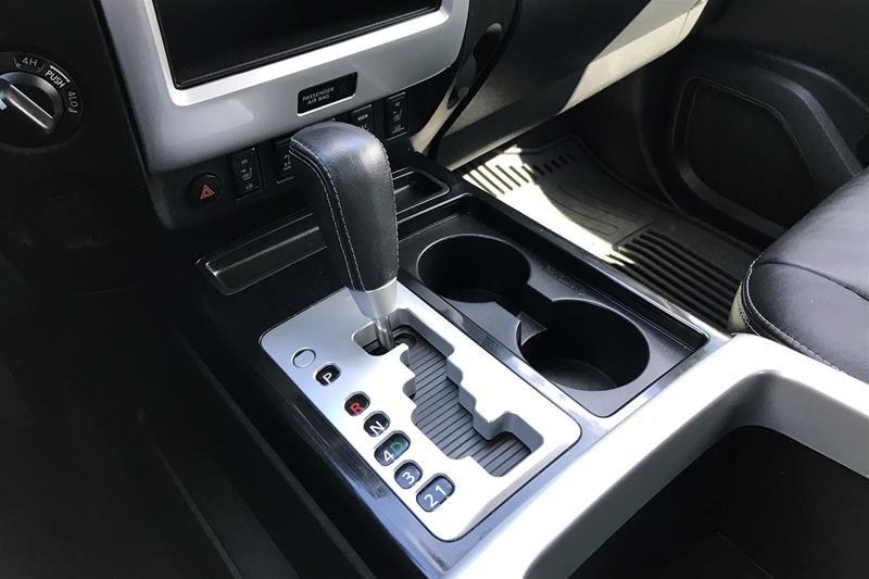 2015 Nissan Titan Crew Cab PRO-4X 4X4 SWB in North Vancouver, British Columbia - 19 - w1024h768px