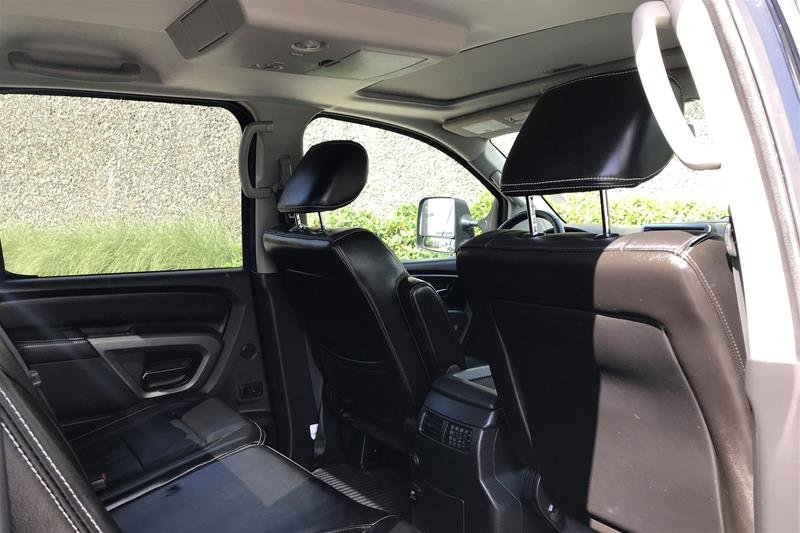 2015 Nissan Titan Crew Cab PRO-4X 4X4 SWB in North Vancouver, British Columbia - 20 - w1024h768px