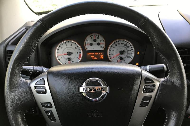 2015 Nissan Titan Crew Cab PRO-4X 4X4 SWB in North Vancouver, British Columbia - 18 - w1024h768px