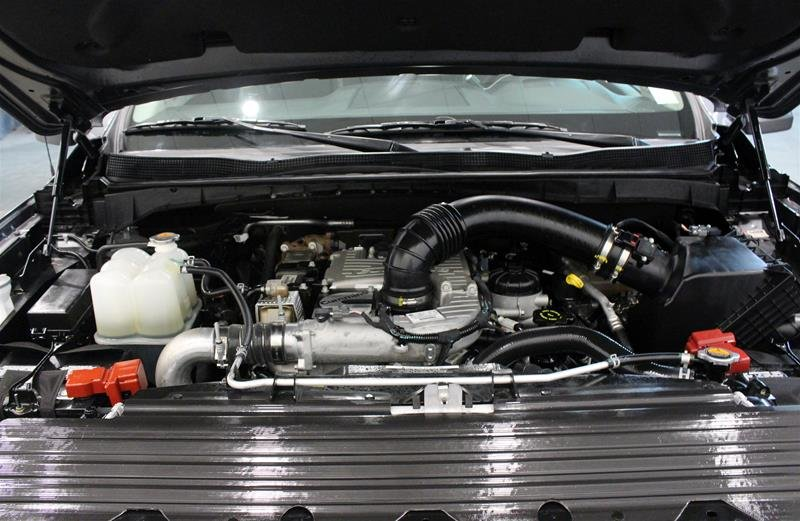 2018 Nissan Titan Crew Cab XD PRO-4X 4x4 Diesel in Regina, Saskatchewan - 17 - w1024h768px
