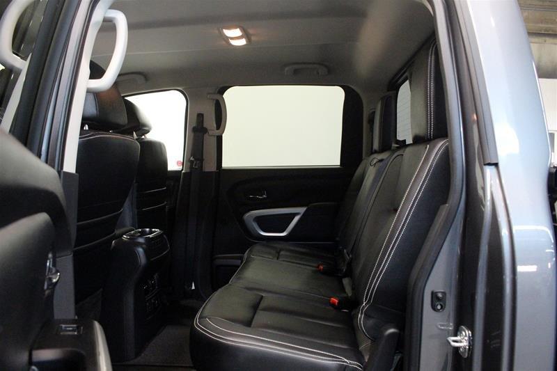 2018 Nissan Titan Crew Cab XD PRO-4X 4x4 Diesel in Regina, Saskatchewan - 12 - w1024h768px