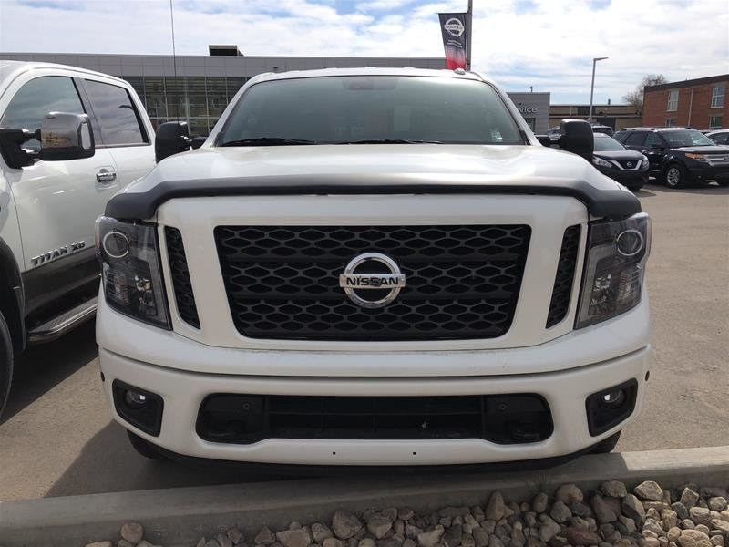2018 Nissan Titan Crew Cab SV Midnight Edition in Regina, Saskatchewan - 2 - w1024h768px