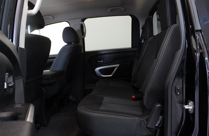 2018 Nissan Titan Crew Cab XD SV 4x4 in Regina, Saskatchewan - 12 - w1024h768px