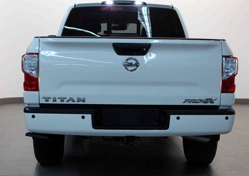2018 Nissan Titan Crew Cab PRO-4X 4X4 in Regina, Saskatchewan - 20 - w1024h768px
