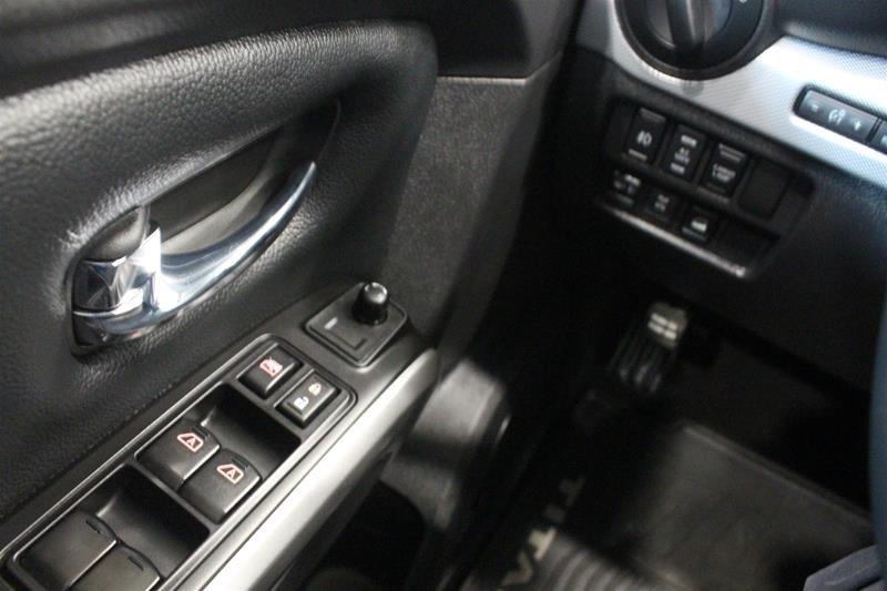 2018 Nissan Titan Crew Cab PRO-4X 4X4 in Regina, Saskatchewan - 3 - w1024h768px