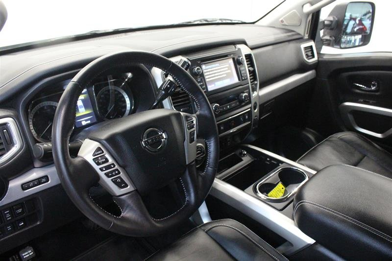 2018 Nissan Titan Crew Cab PRO-4X 4X4 in Regina, Saskatchewan - 10 - w1024h768px