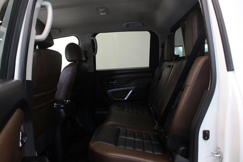 2018 Nissan Titan Crew Cab Platinum 4X4 in Regina, Saskatchewan - 12 - w1024h768px