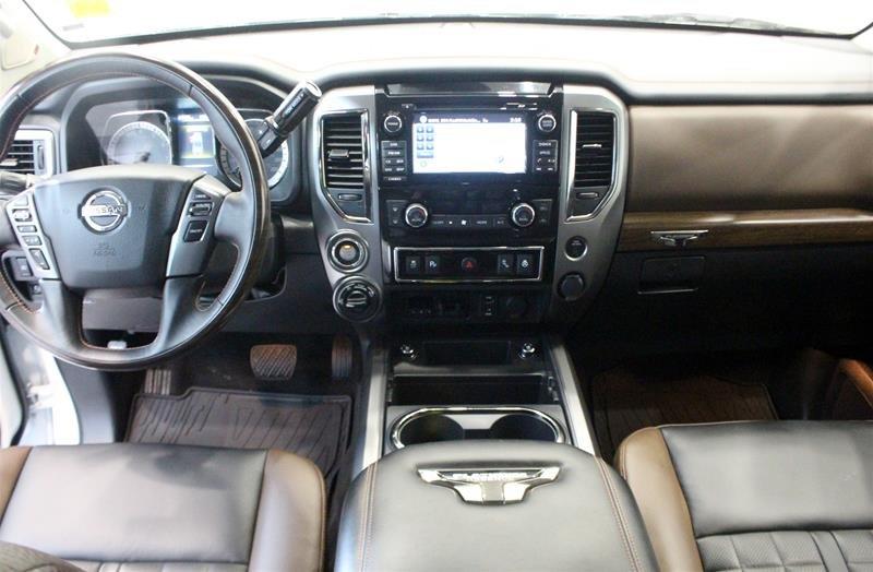 2018 Nissan Titan Crew Cab Platinum 4X4 in Regina, Saskatchewan - 14 - w1024h768px