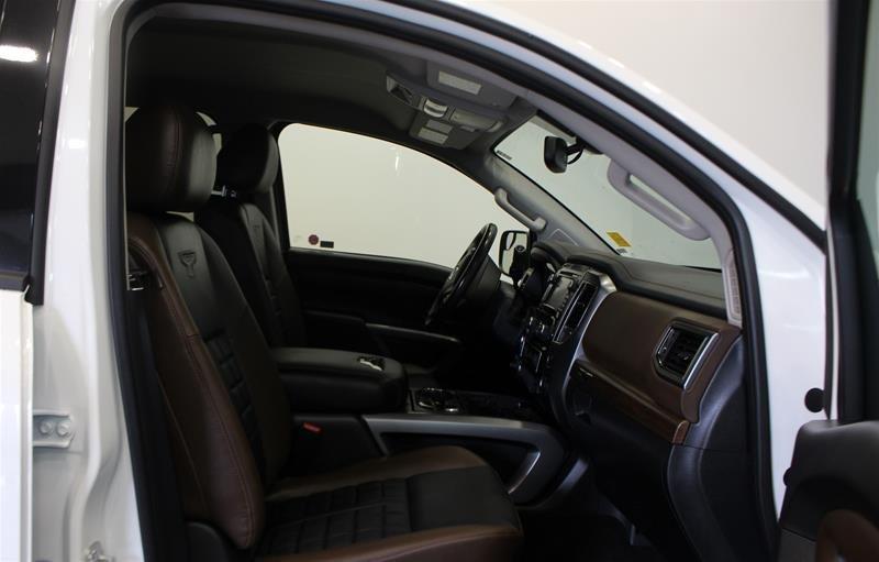 2018 Nissan Titan Crew Cab Platinum 4X4 in Regina, Saskatchewan - 15 - w1024h768px