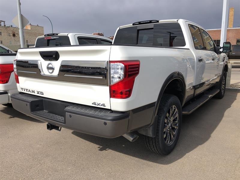 2019 Nissan Titan Crew Cab XD Platinum 4x4 Two-Tone Diesel in Regina, Saskatchewan - 2 - w1024h768px