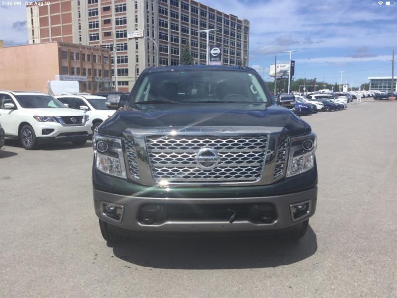 2019 Nissan Titan Crew Cab Platinum 4X4 in Regina, Saskatchewan - 2 - w1024h768px