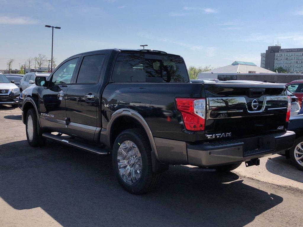 2019 Nissan Titan Crew Cab Platinum 4X4 in Mississauga, Ontario - 5 - w1024h768px