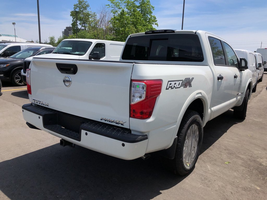 2019 Nissan Titan Crew Cab PRO-4X 4X4 in Mississauga, Ontario - 3 - w1024h768px
