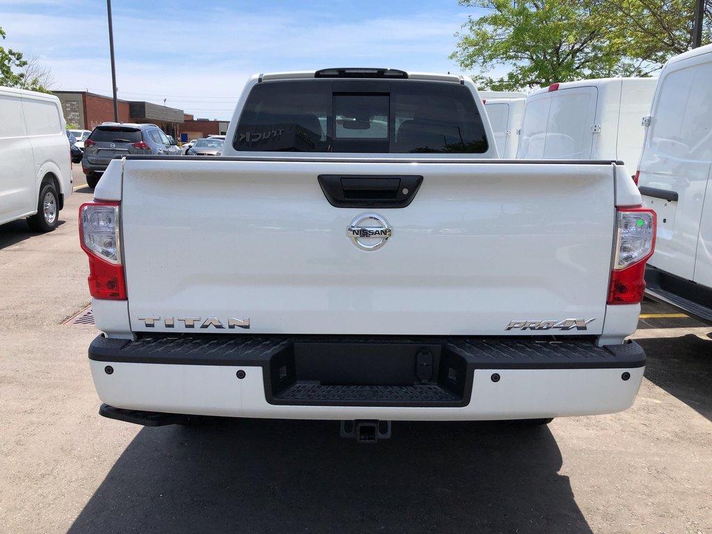 2019 Nissan Titan Crew Cab PRO-4X 4X4 in Mississauga, Ontario - 4 - w1024h768px